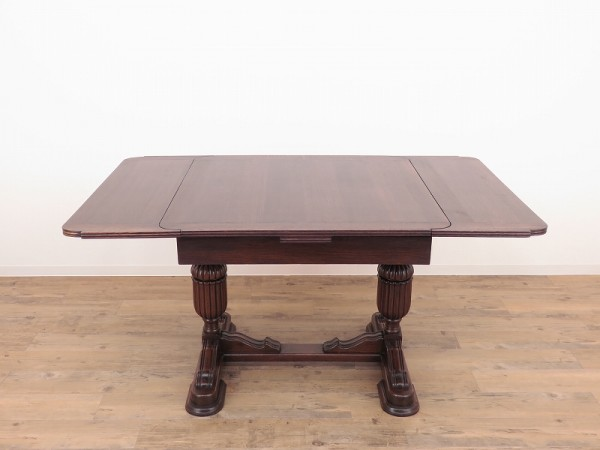 img_draw-leaf-table01